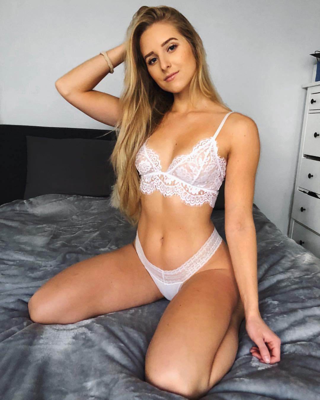 Caroline Zalog Lingerie